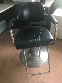 black leather padded rolling chair Hempstead, 11554
