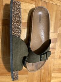 Modern sandals (negotiable price) Laval