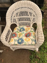 Wicker set ( 2 chairs with table) Tiny, L0L 1P1