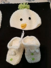 Knitted baby set Toronto, M3K 1A3