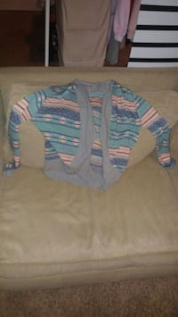 teal and gray cardigan London, N6J 3E4