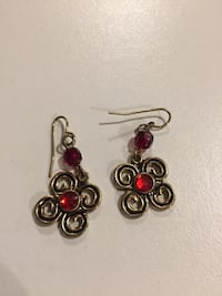 Earrings  London, N6M 0E5