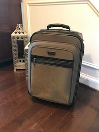 Carryon- Gray/brown Kenneth Cole- Like New Alexandria
