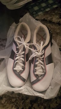 Size 10.5 women's golf shoes  Mississauga, L5B 0A1