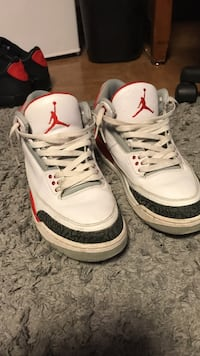 Fire red 3s size 11.5