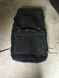 Skyway garment bag.  euc Langley, V3A 1R9
