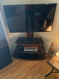 LG 47 inch tv with stand in excellent condition, first $180 Arden, 28704