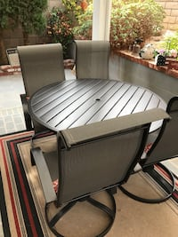 Patio and 4 chairs and outdoor rug 5x7 Costa Mesa, 92627