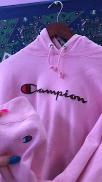 pink champion hoodie  Port Coquitlam, V3B 1S4