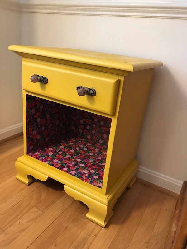 Yellow nightstand or side table 15ca7a24-30bd-4f7b-a8c0-ebe480a06955