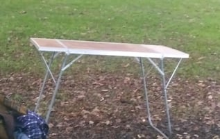 Folding table(all use)