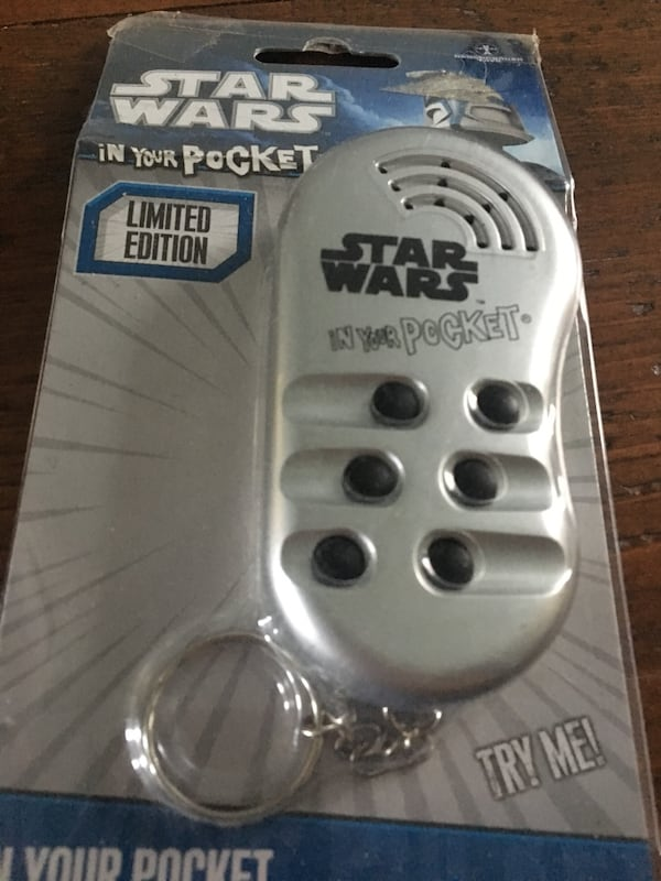 Star Wars limited edition Key Chain 7390da5d-2f51-4a5f-84a9-8ac68d4511ef
