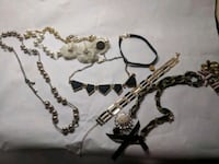 Gold and black necklace lot New York, 10011