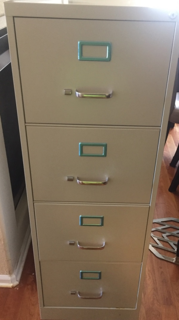 Used Workpro 26 1 2 D 4 Drawer Legal Size Vertical File Cabinet Light Gray For In Westminster Letgo