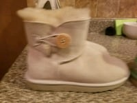 pair of white UGG boots Brooklyn, 11207