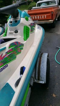 Pair of 1996 seadoo spx jet skis on a trailer Olney