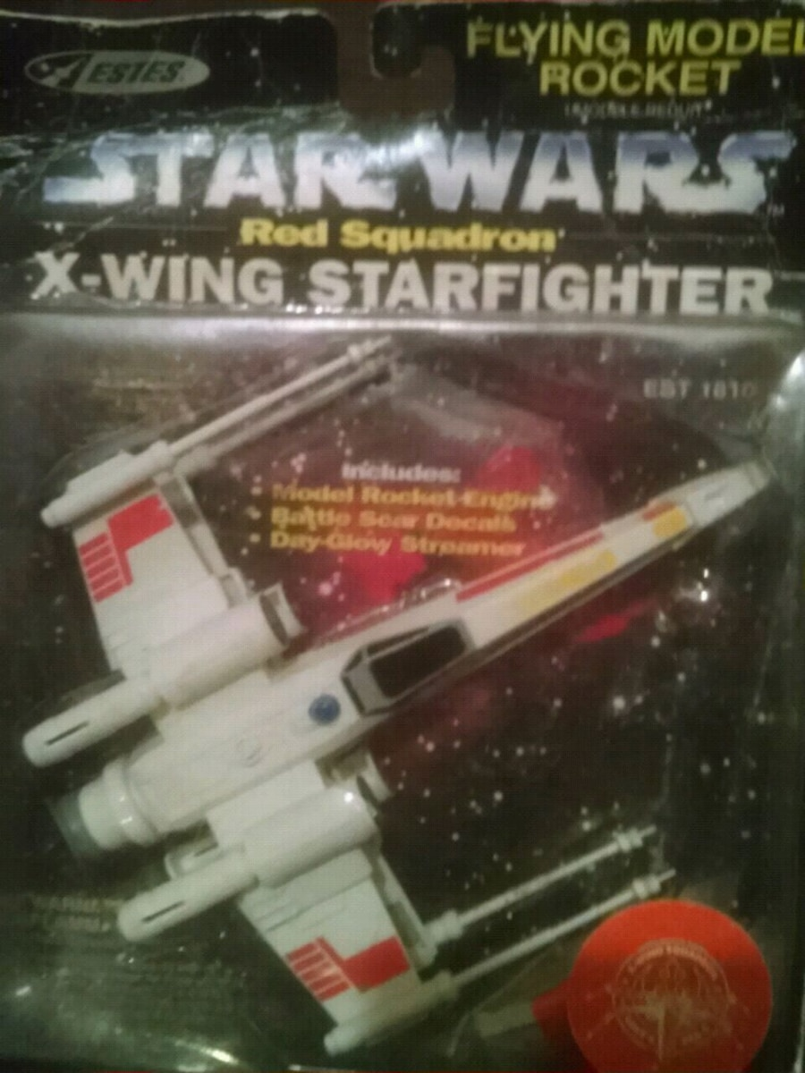 Photo Vintage X-Wing Starfighter flying model Rocket