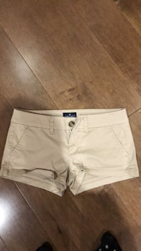 American Eagle tan shorts