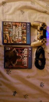 Gold ps4 controller, 2 games, hdmi  El Paso, 79901