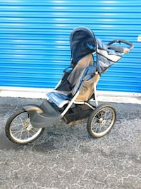 Expedition jogging stroller  Tampa, 33605