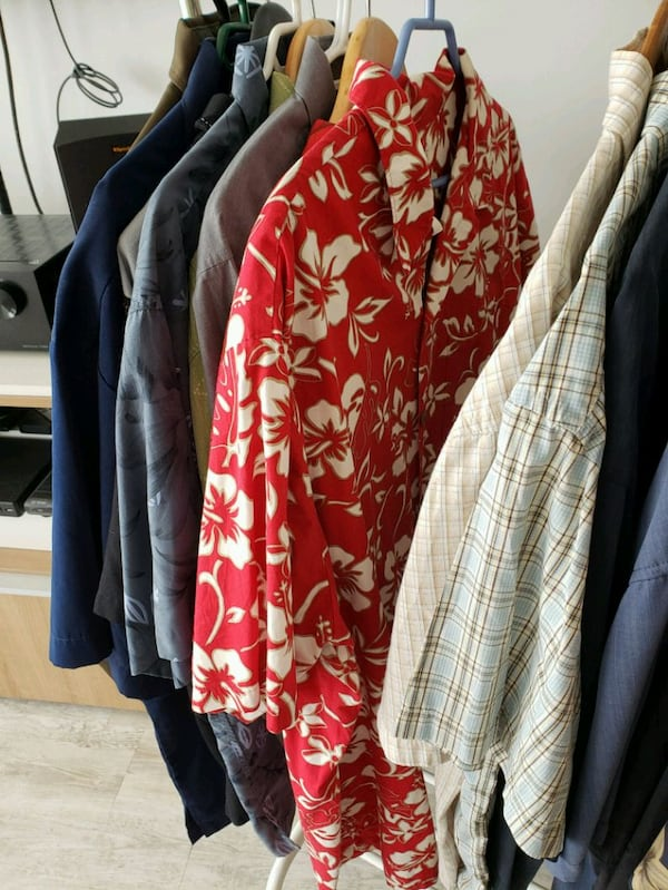 Collection of 20 mens shirts in various sizes 7ede5caf-5773-42c5-8e78-3b62be2ceab9