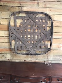 Authentic Fayetteville Burley Basket 41x41 Columbia, 38401