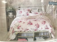 white floral bed sheet with pillows Louisville, 40222