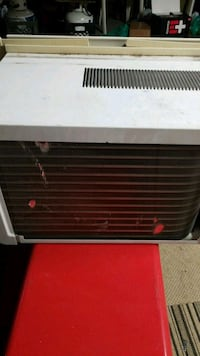 AC UNIT WORKS GREAT.. Garden City, 48135