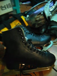pair of black leather work boots Brooklyn, 11220
