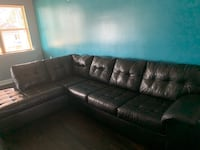 Black sectional sofa  New Orleans, 70122