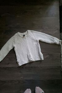 Baby gap cream sweater. Size 4