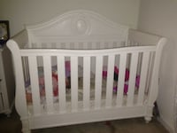 Baby's white wooden crib Lawrence, 01841
