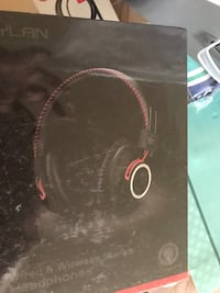 black and red corded headphones 弗吉尼亚海滩, 23454