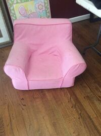 Pottery barn pink comfy children's chair Manassas, 20112