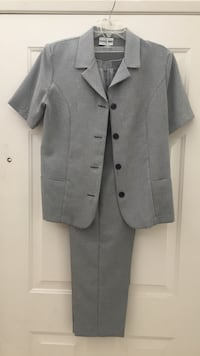 Alfred Dunner Women's Navy Blue and White Dress Suit Palmdale, 93552