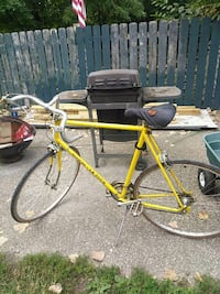 yellow and black road bike Louisville, 40215