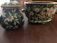 Two piece black flowered urns Oakton, 22124