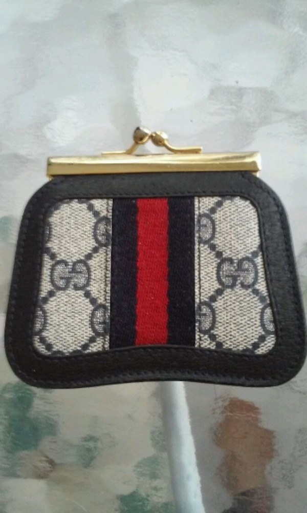 08b2f52342bc Used Gucci wallet for sale in Plantation - letgo