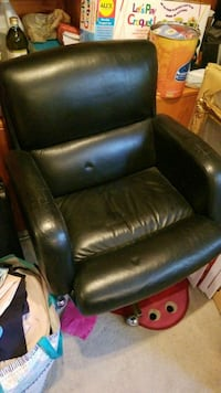 Large Leather Office Chair Toronto, M1L 3E8