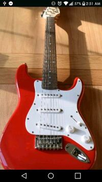 red and white fender mini squier electric guitar Palmdale, 93550
