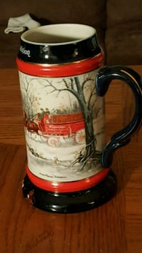 white and red carriage printed beer stein 328 mi