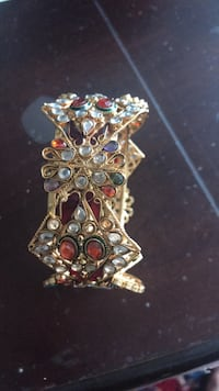 Bangle with colored crystals size medium Burke, 22015