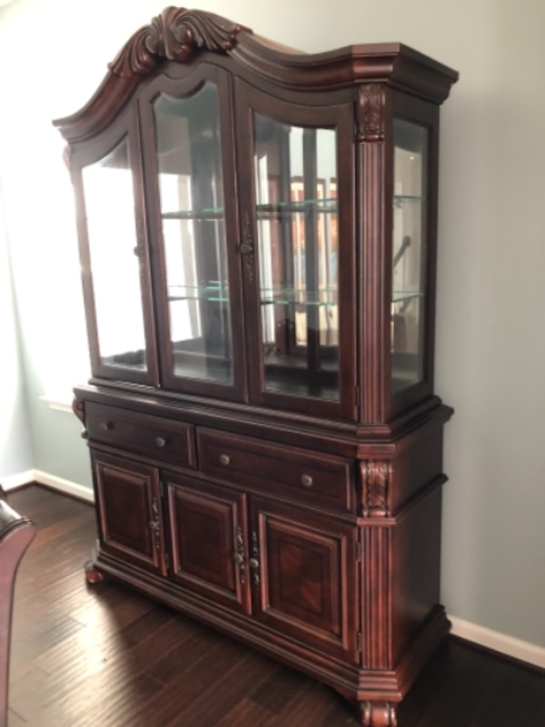Broyhill formal dining table and hutch