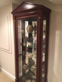 Ethan Allen Medallion Curio Cabinet Washington, 20016