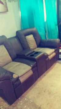Recliner two tone ciuches Germantown, 20874