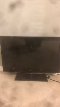 Samsung tv good condition, 31 in by 19 in San Diego, 92117