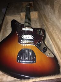 brown and black electric guitar Oshawa, L1H 7Y1