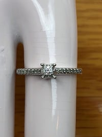 10k diamond engagement ring Fresno, 93704