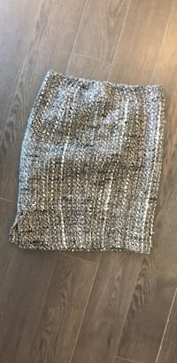 Marciano tweed skirt size 2 Vancouver, V6Z 2X9