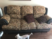 3-cushion brown and black tribal-pattern couch Montréal, H1S